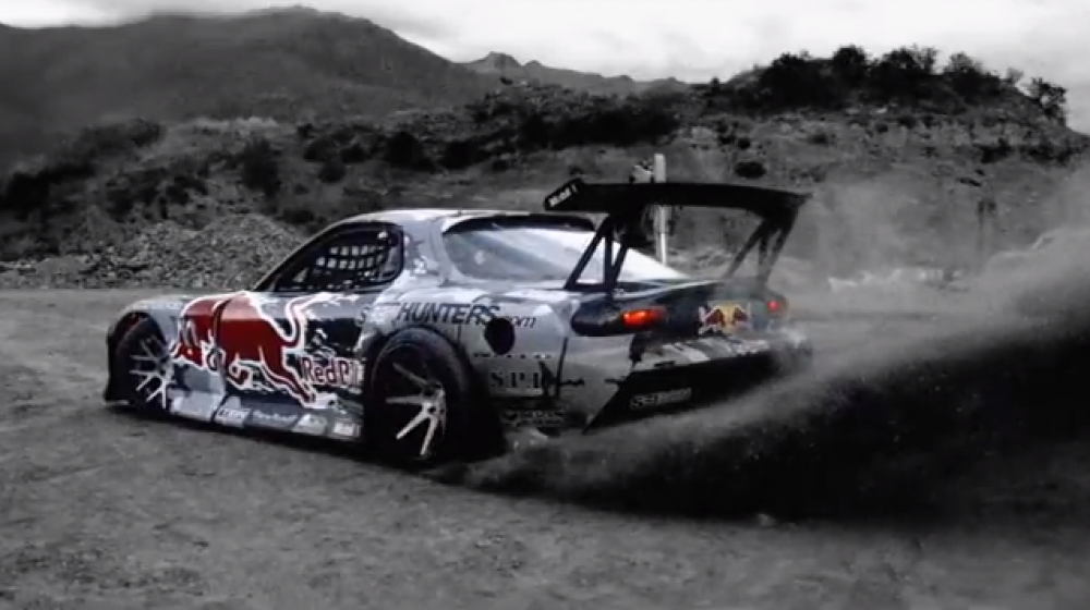 Mad Mike Drifting Crown Range in New Zealand   (VIDEO)