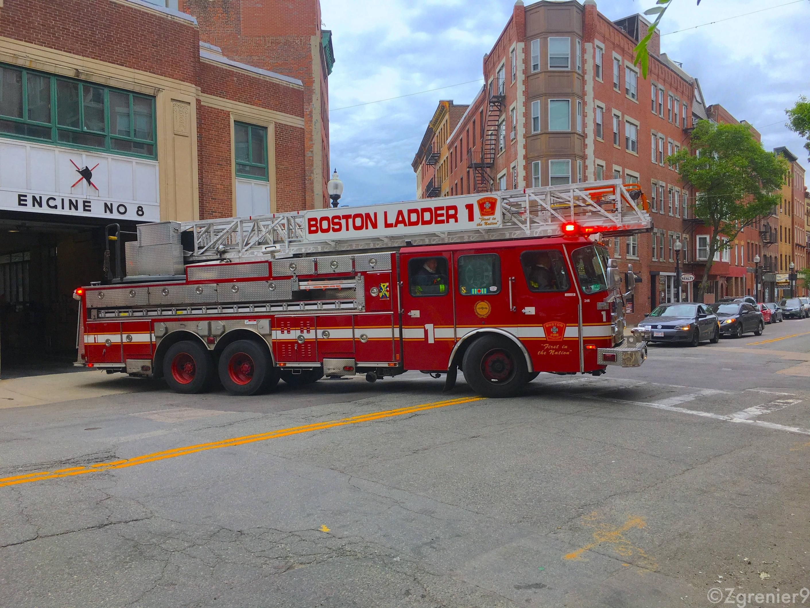 Boston Fire Department Ladder 1 4032 X 3024 High Quality Wallpapers Fire Rescue Wallpaper