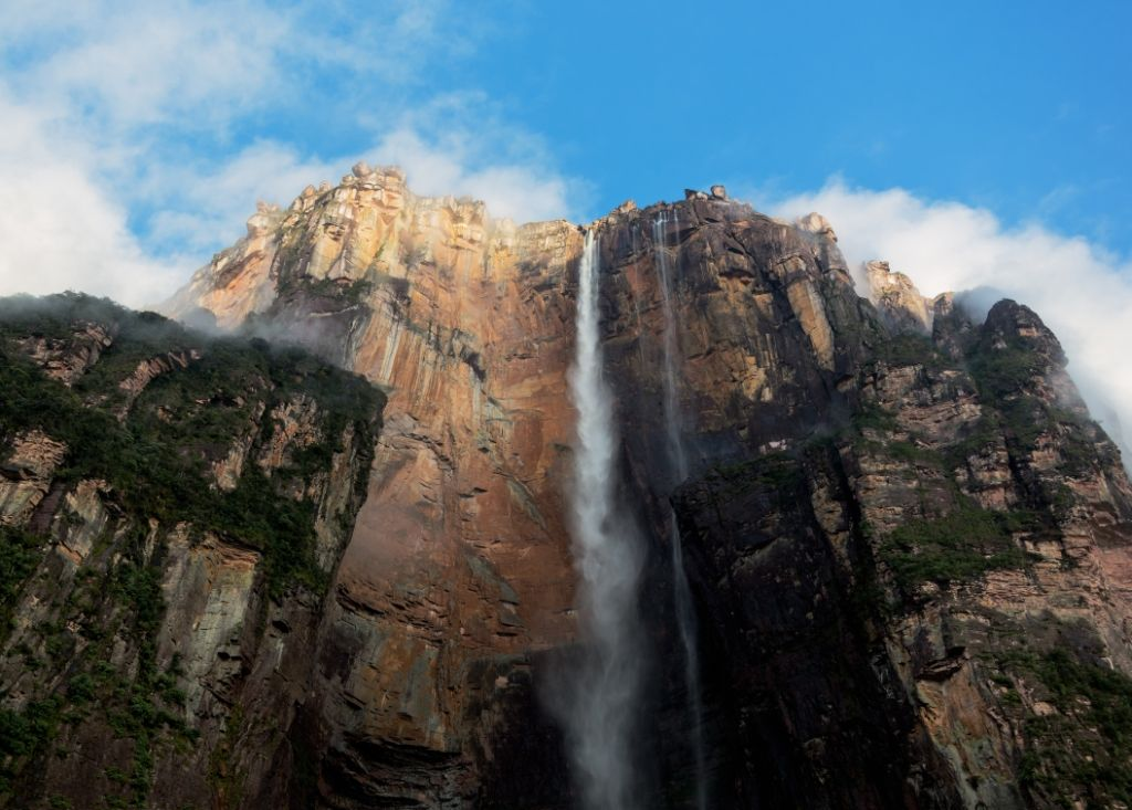 Do you want to experience one of the most stunning marvels of the world? Check out Angel Falls! This spellbinding waterfall in Venezuela makes one of the must see places in the world.