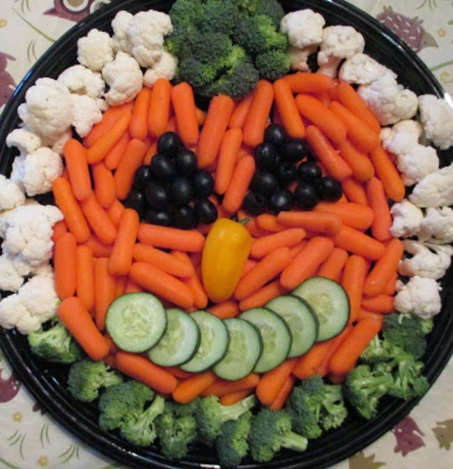 17 Fresh Veggy Tray And Vegetable Dip Platters Recipes Halloween Veggie Tray Veggie Tray Halloween Goodies