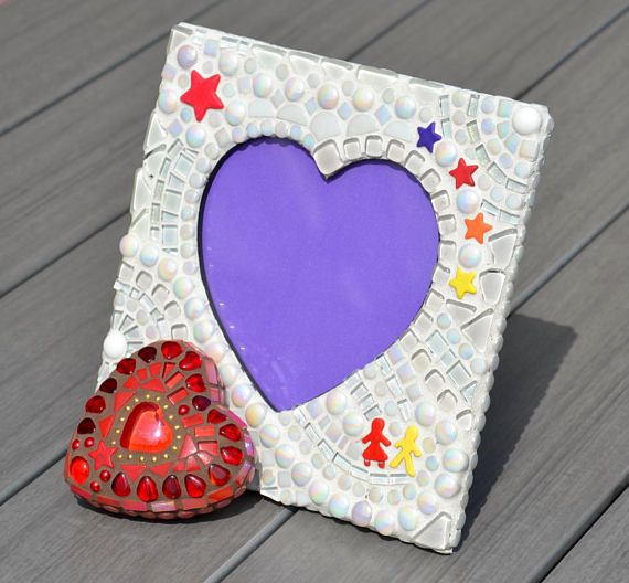 Cute White Mosaic Heart Shaped Picture Frame With Red Mosaic Heart