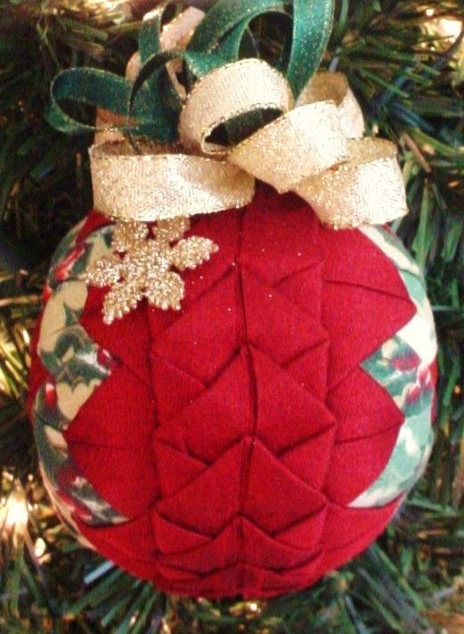 Quilted Christmas Ornament Red Braided Plus By Christmasornament Quilted Christmas Ornaments Fabric Christmas Ornaments Folded Fabric Ornaments