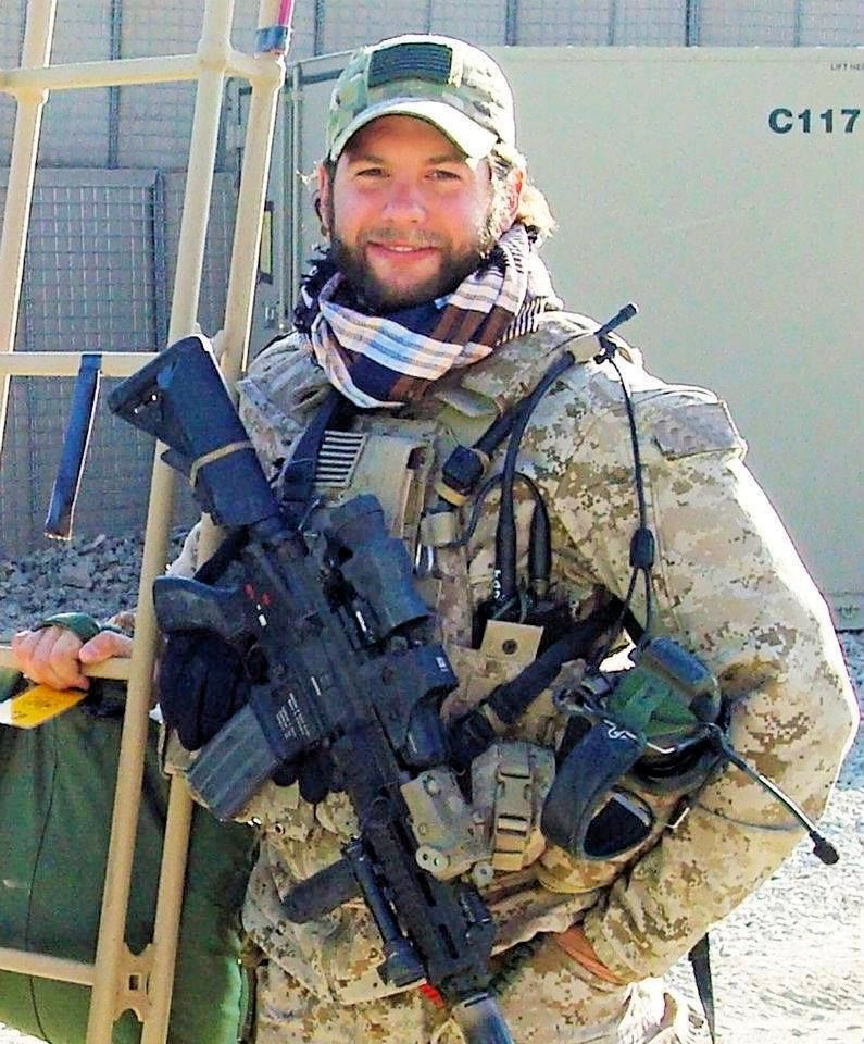 Meet The Navy Seal Who Was Shot 27 Times And Lived To Tell The Story Navy Seals Military Heroes American Soldiers