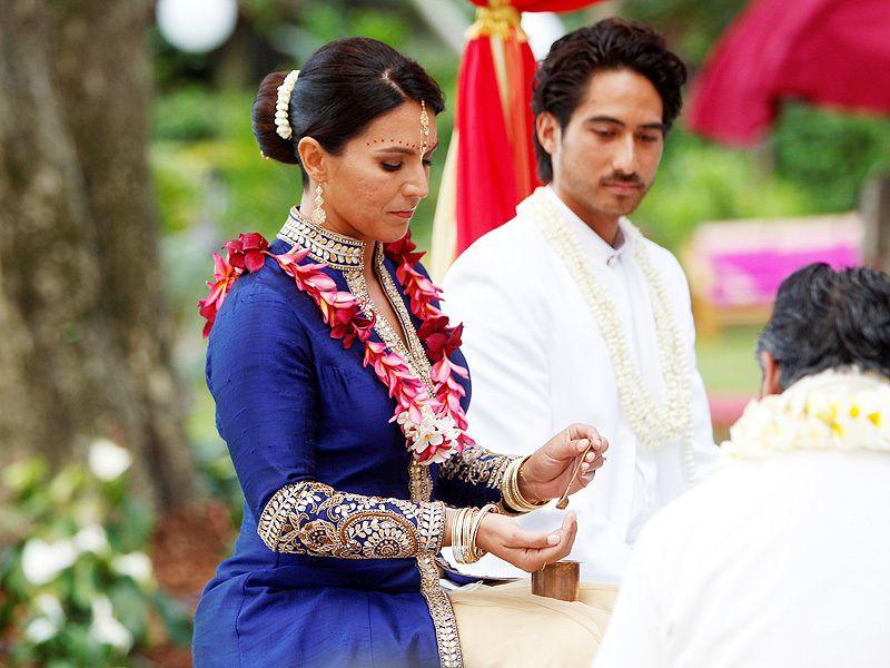 Tulsi Gabbard: U.S. Rep Weds in Hawaii in Vedic Hindu Ceremony