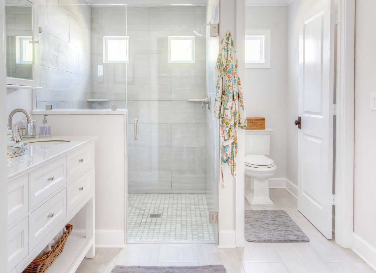 Before and after bathroom remodel bathroom renovation for Bathroom interior design white