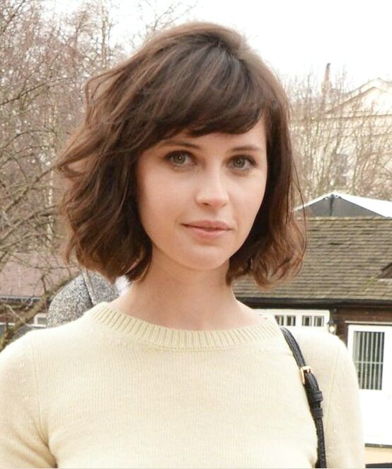 14 flattering short hairstyles for your office look