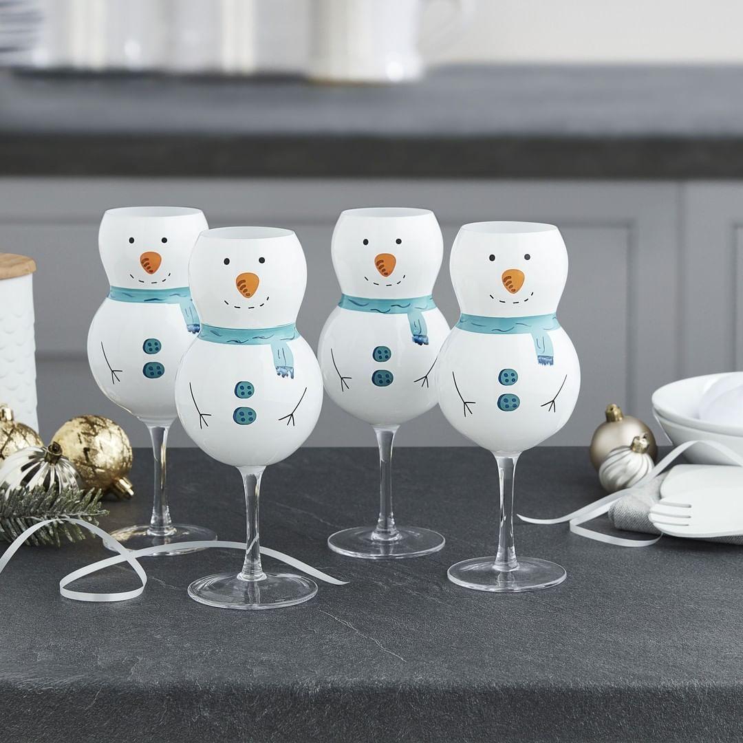 2 837 Me Gusta 239 Comentarios Asda Asda En Instagram Toast The Festive Season With Our Set Of 4 Snowman Glasses Perfect Manualidades Navideno Fiesta