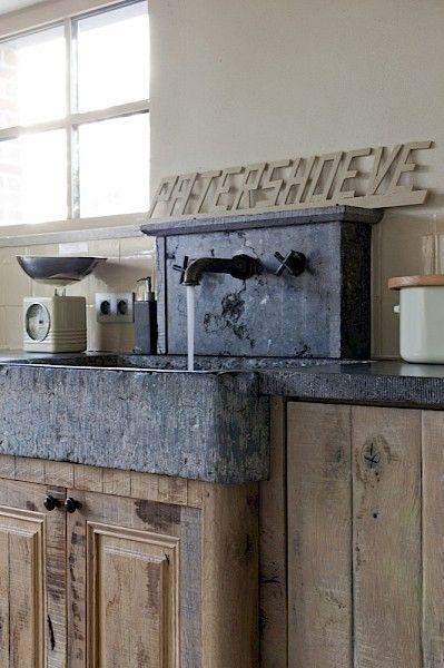 love this stone look backsplash rustic kitchen ideas rustic rh pinterest com Rock Kitchen Sink Rustic Stone Jacuzzi