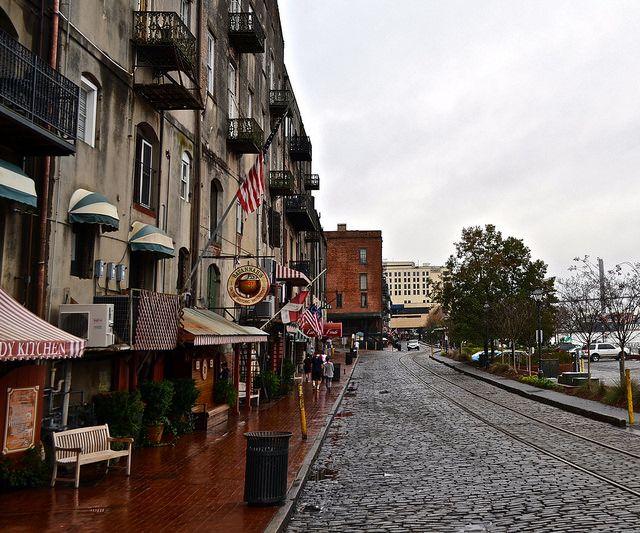 Savannah Riverfront - A Quick History Lesson - Savannah Georgia http://travelexperta.com/2015/04/savannah-history-take-a-walk-through-us-history.html