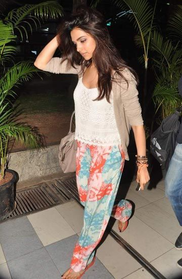 Deepika padukone | Cute preppy outfits, Deepika padukone ...