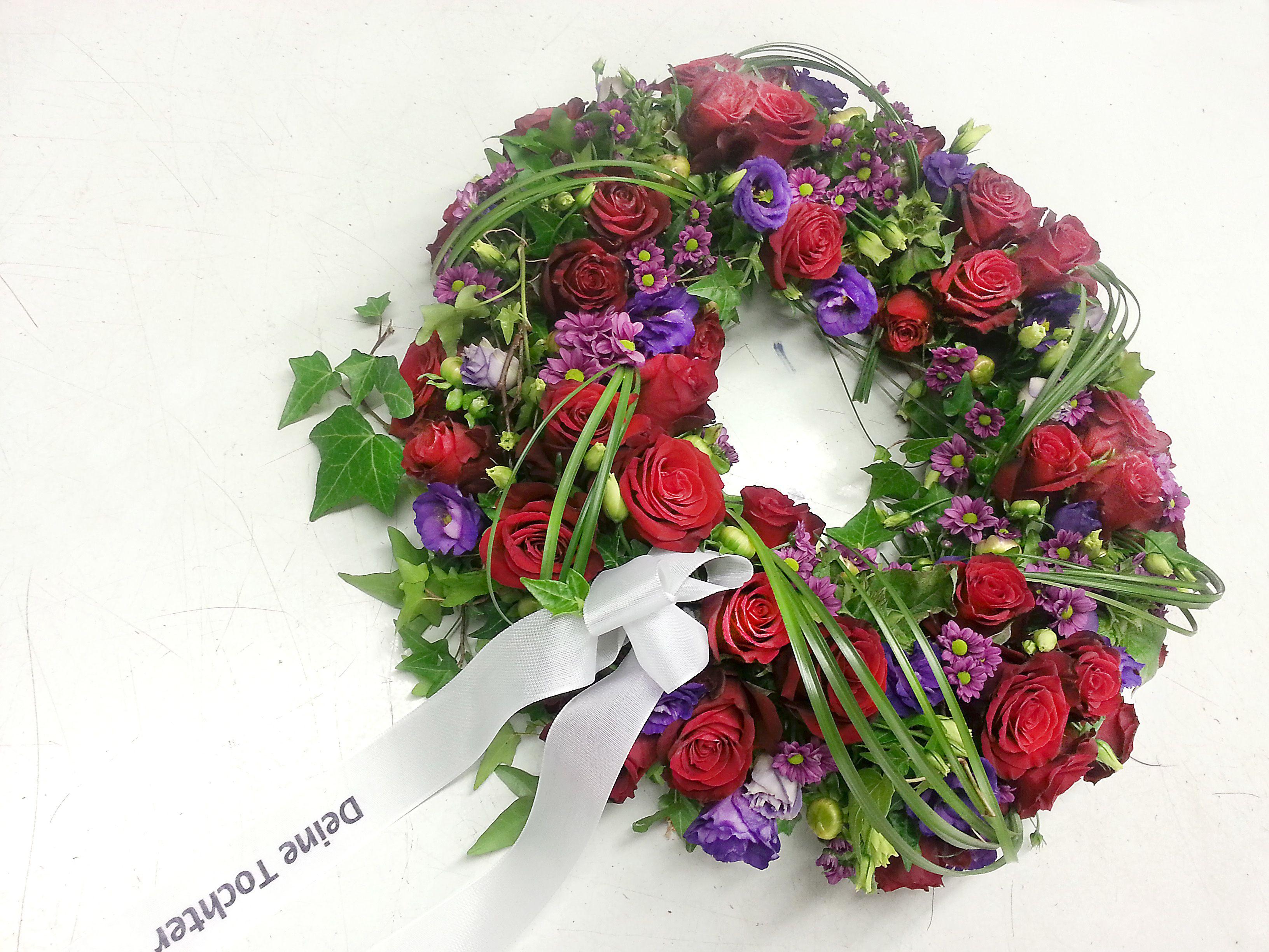 f r die liebste mama zum abschied kranz trauer abschied rosen floristik kr nze und herzen. Black Bedroom Furniture Sets. Home Design Ideas