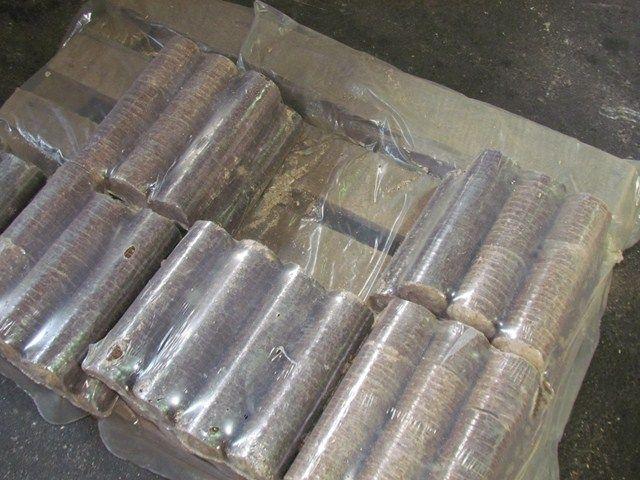 Μπρικέτες πέλλετ pellet Ξυλεμπορική