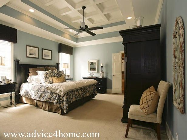 Uberlegen Bleeker Beige Ceiling Blue Walls | Dark Black Bad Design And Blue White  Wall In Modern Bad Room With .