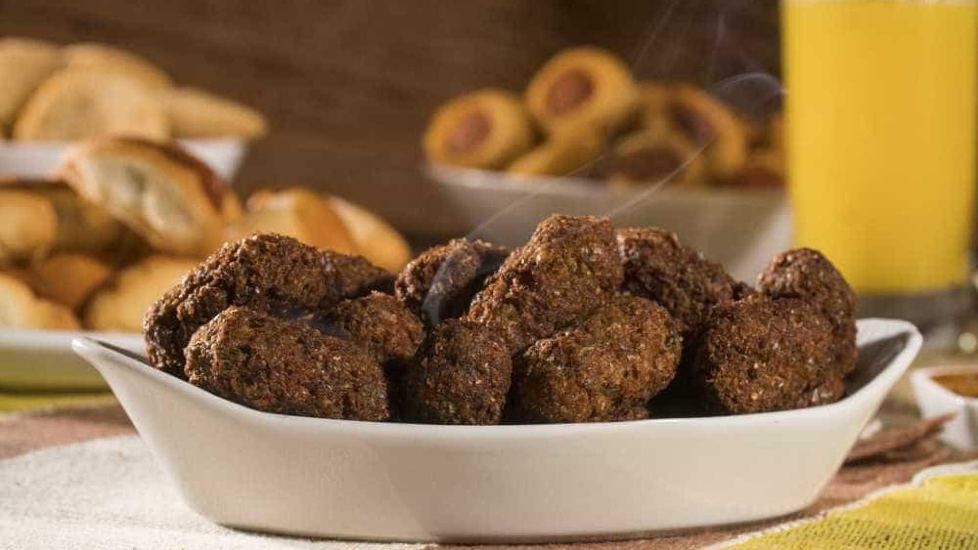 Petisco Pratico E Saudavel Bolinho Assado De Carne Com Aveia Com