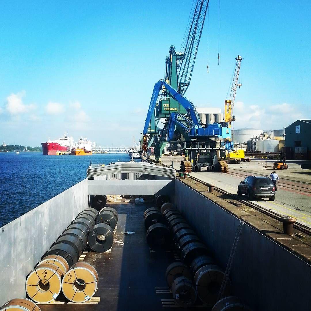 """""""#Antwerpen #kaai 504 #lossen #rollen #binnenvaart #instashipping"""""""