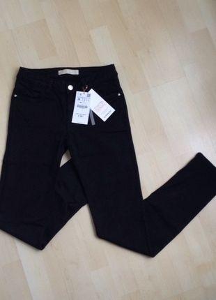 A vendre sur #vintedfrance ! http://www.vinted.fr/mode-femmes/jeans/16772926-pantalon-zara-denim-noir-taille-36