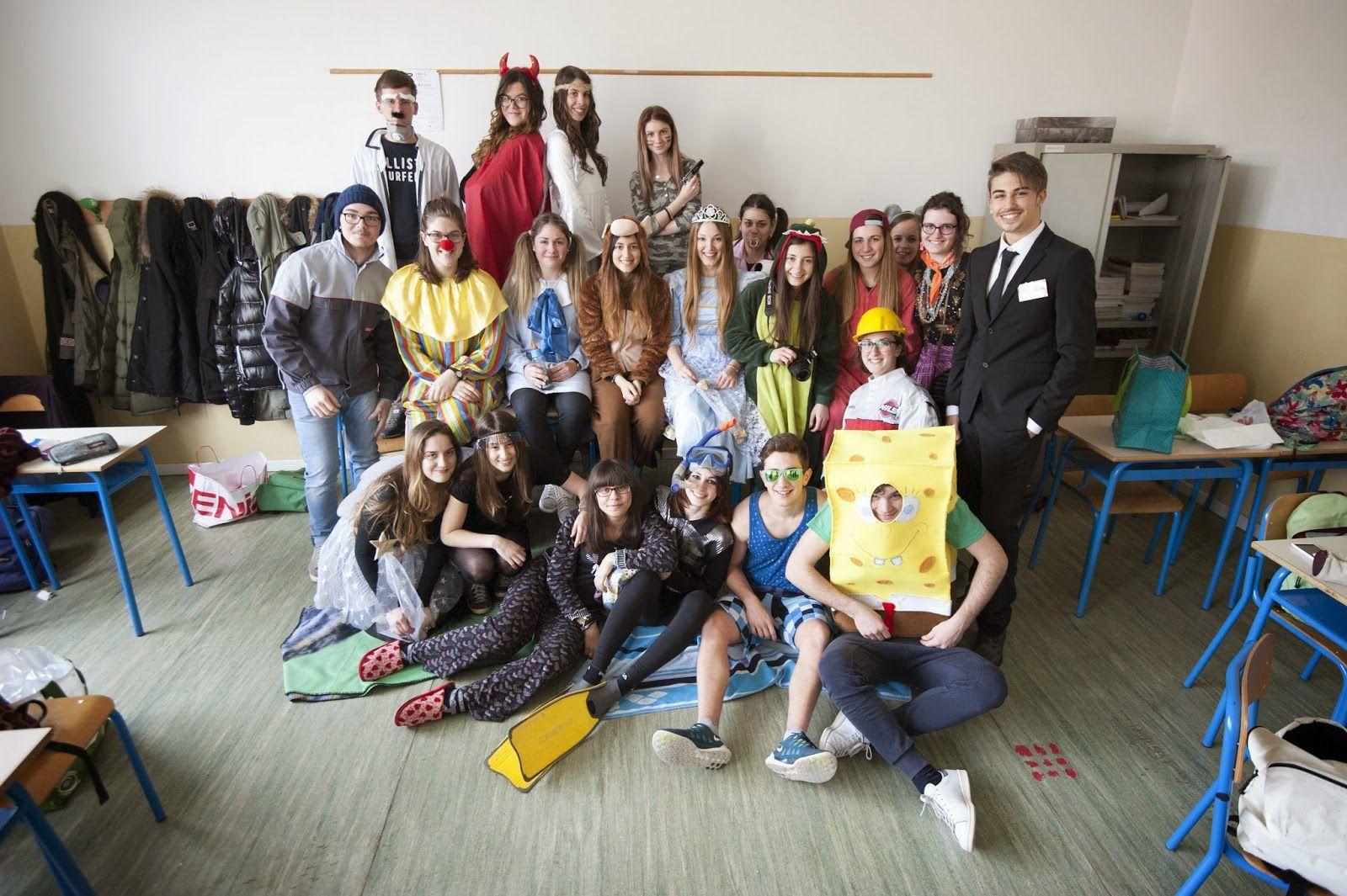 La classe IV A L - si è aggiudicata il primo posto per il concorso fotografico di carnevale 2014-2015