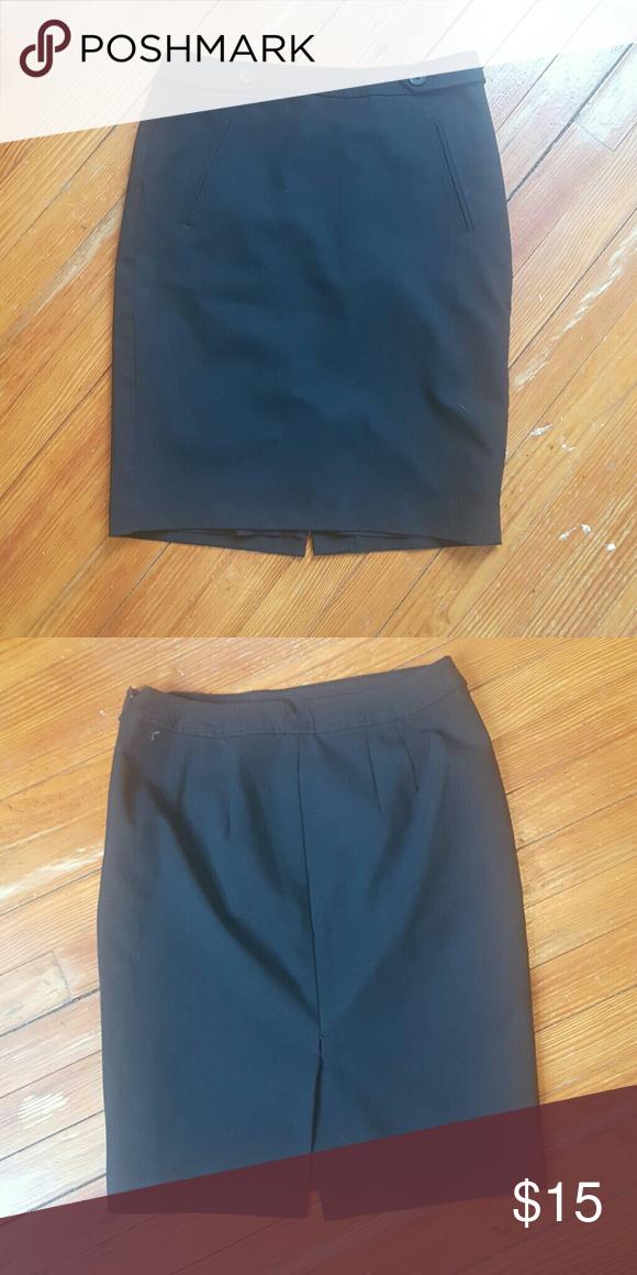 ANN TAYLOR LOFT SKIRT size 6 ANNE TAYLOR LOFT Classic black skirt Size 6 Euc LOFT Skirts Midi