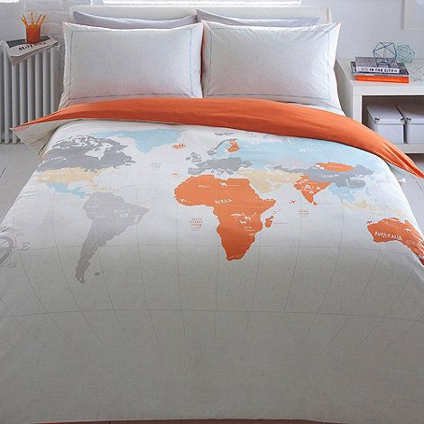 capturing his cool and contemporary style this bedding set is designed by ben de lisi and features a world map design with labelled countries and fun