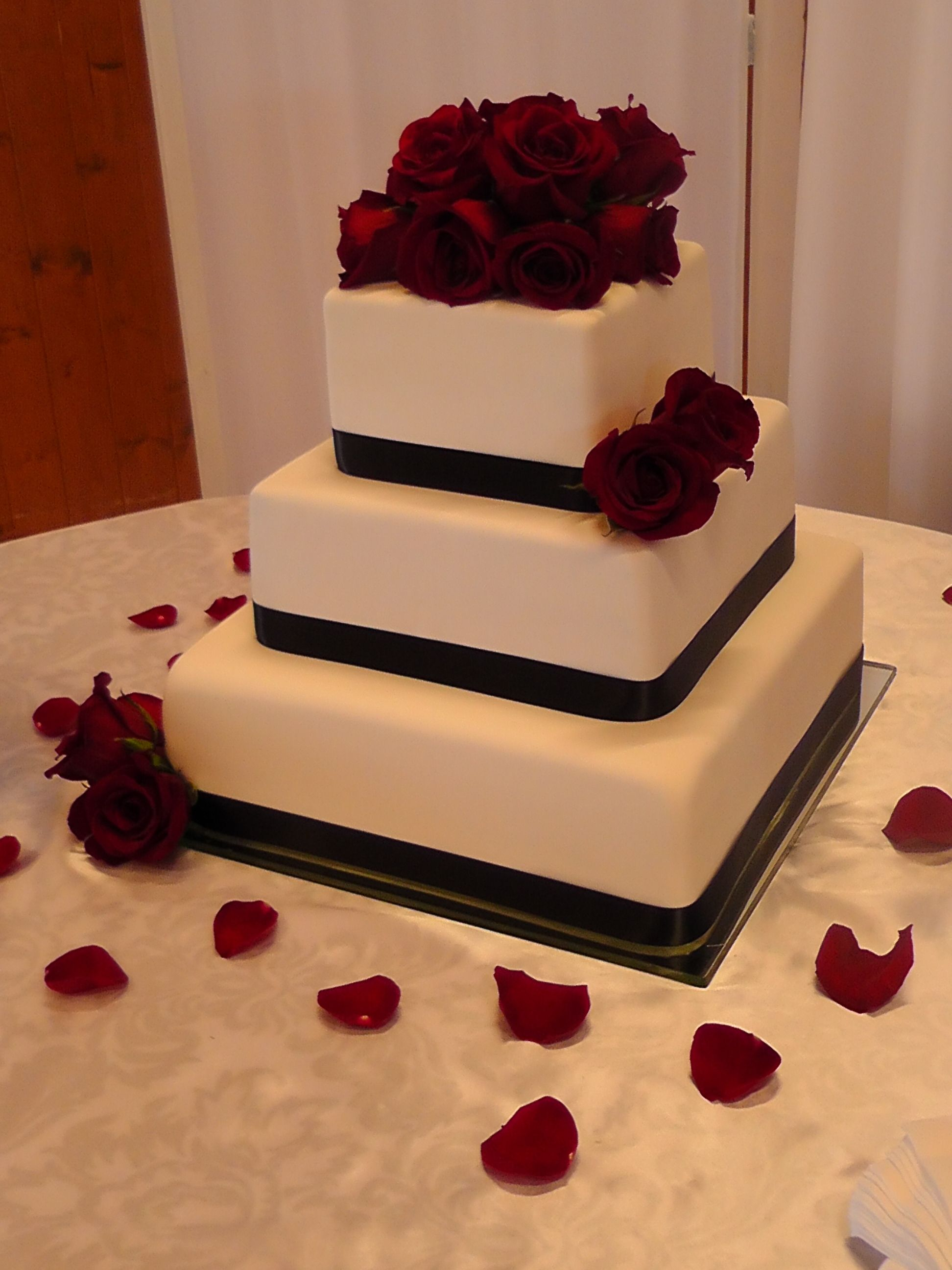 chocolate fudge filling for wedding cake classic wedding cake 6 9 and 12 inch square 12706
