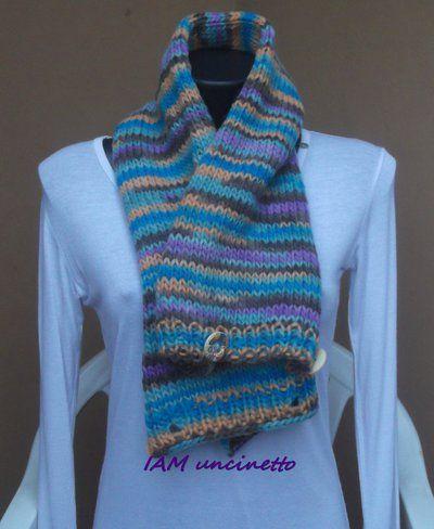 l'ultimo 21a37 e1280 Scaldacollo maxi sciarpa in lana merinos multicolor ai ferri ...