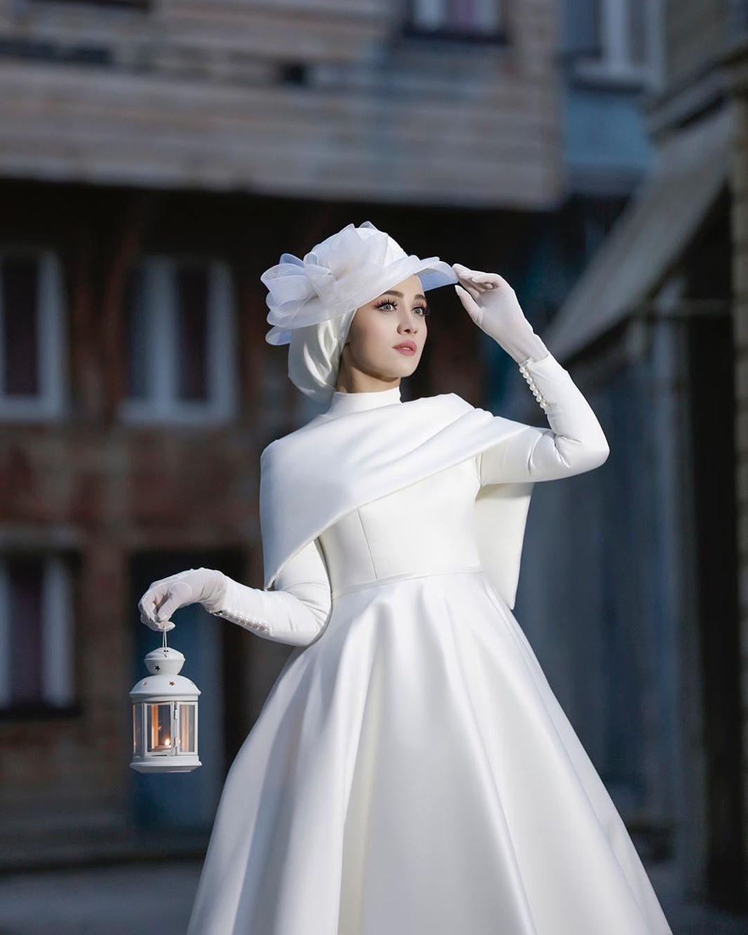 f239e0a1c Hijab Wedding Style - Hijab Wedding Dress - Hijab Wedding Photography  #hijab #hijabphotoshoot #photoshoot #muslimah #trend #fashion
