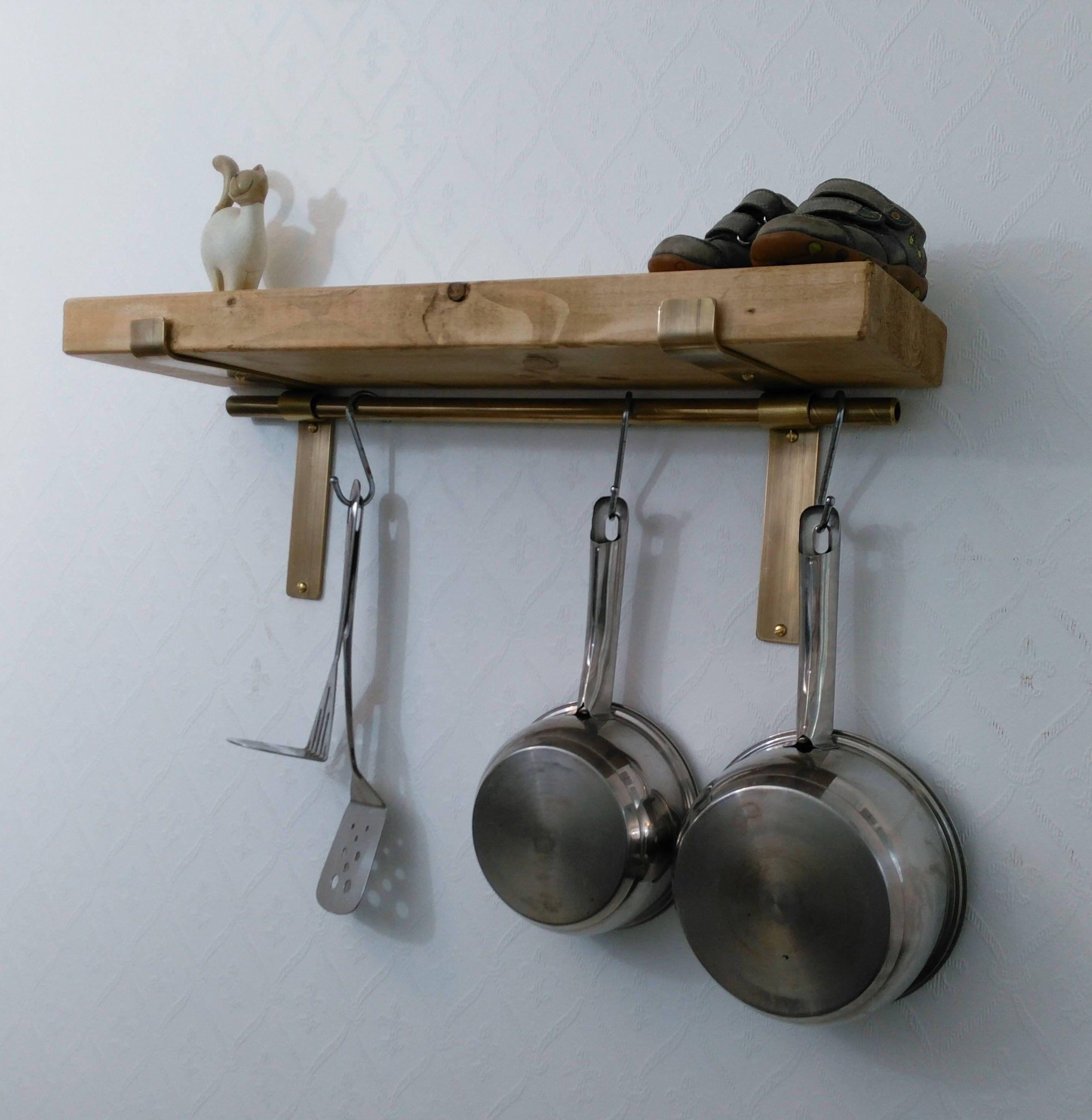 Kuchenregale Rustikal Regal Komplett Mit Messing Pfanne Stange Etsy Rustic Shelves Kitchen Shelves Solid Wood Kitchens