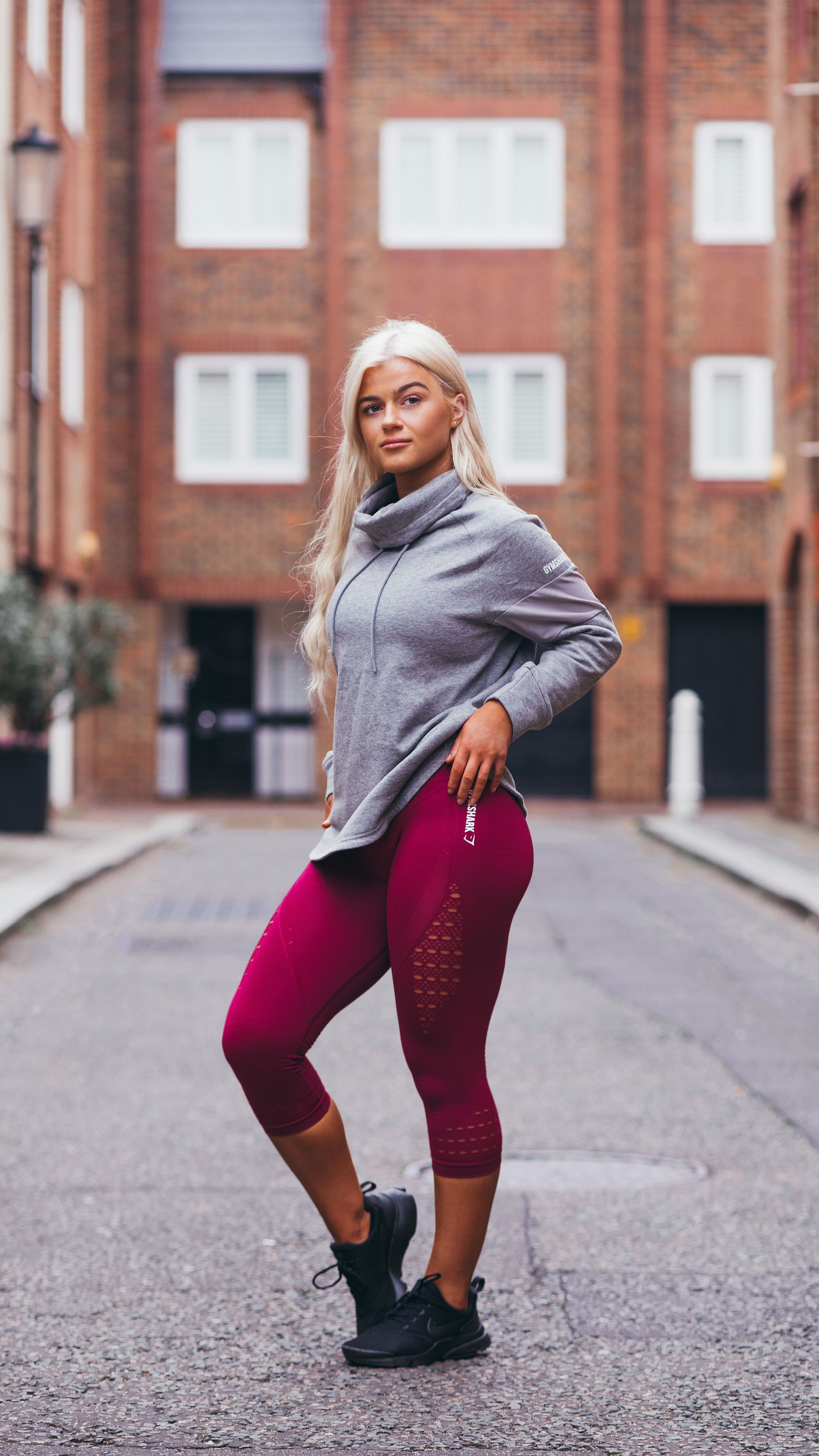 a5f0fb0d7a4451 Gymshark Athlete, Sian Walton, pairs the Energy Seamless Crop Leggings with  the Slouch Hoodie, coming soon.