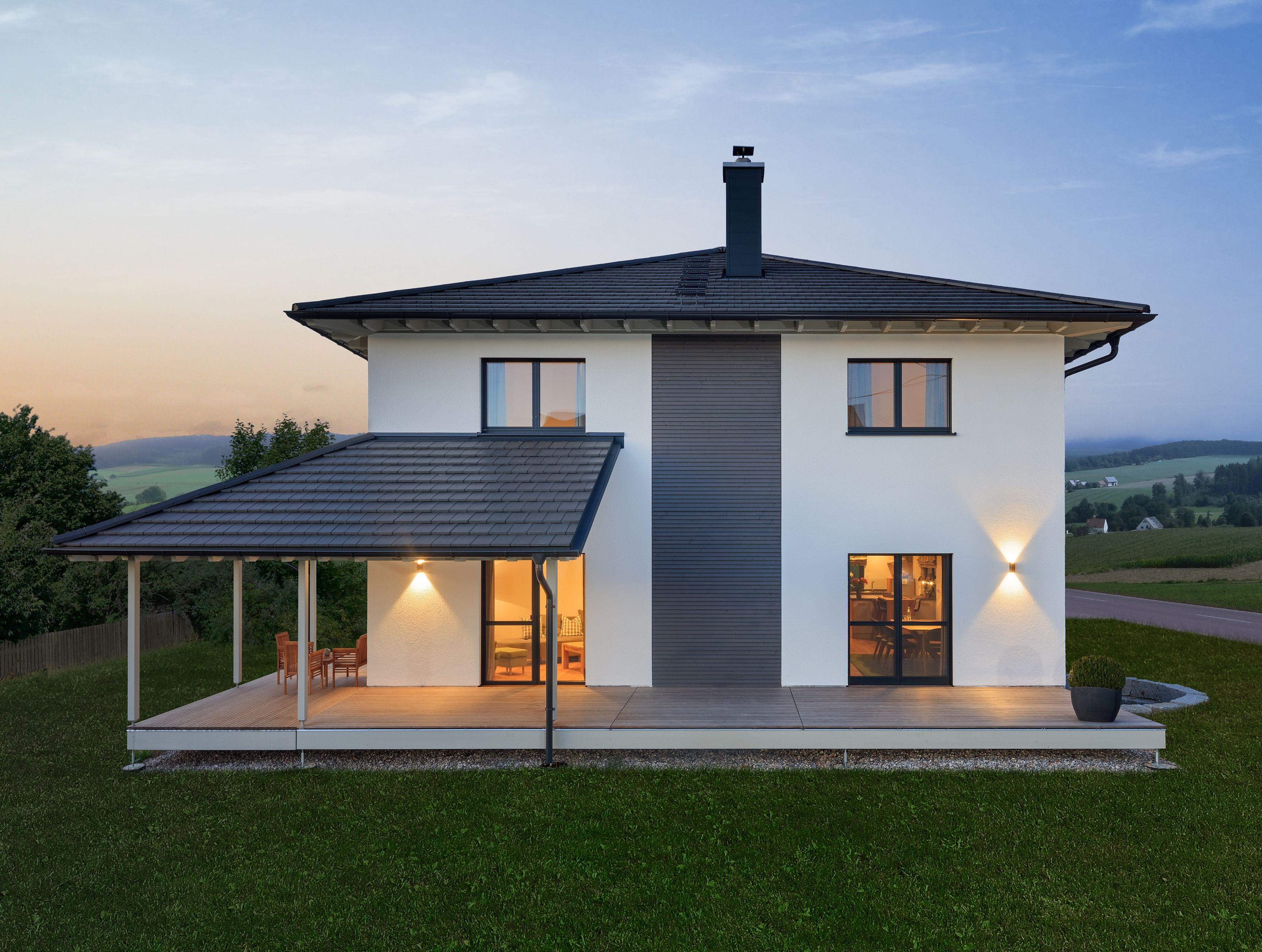 Terrasse Am Haus Schone Terrasse Eines Luxus Haus Esstisch
