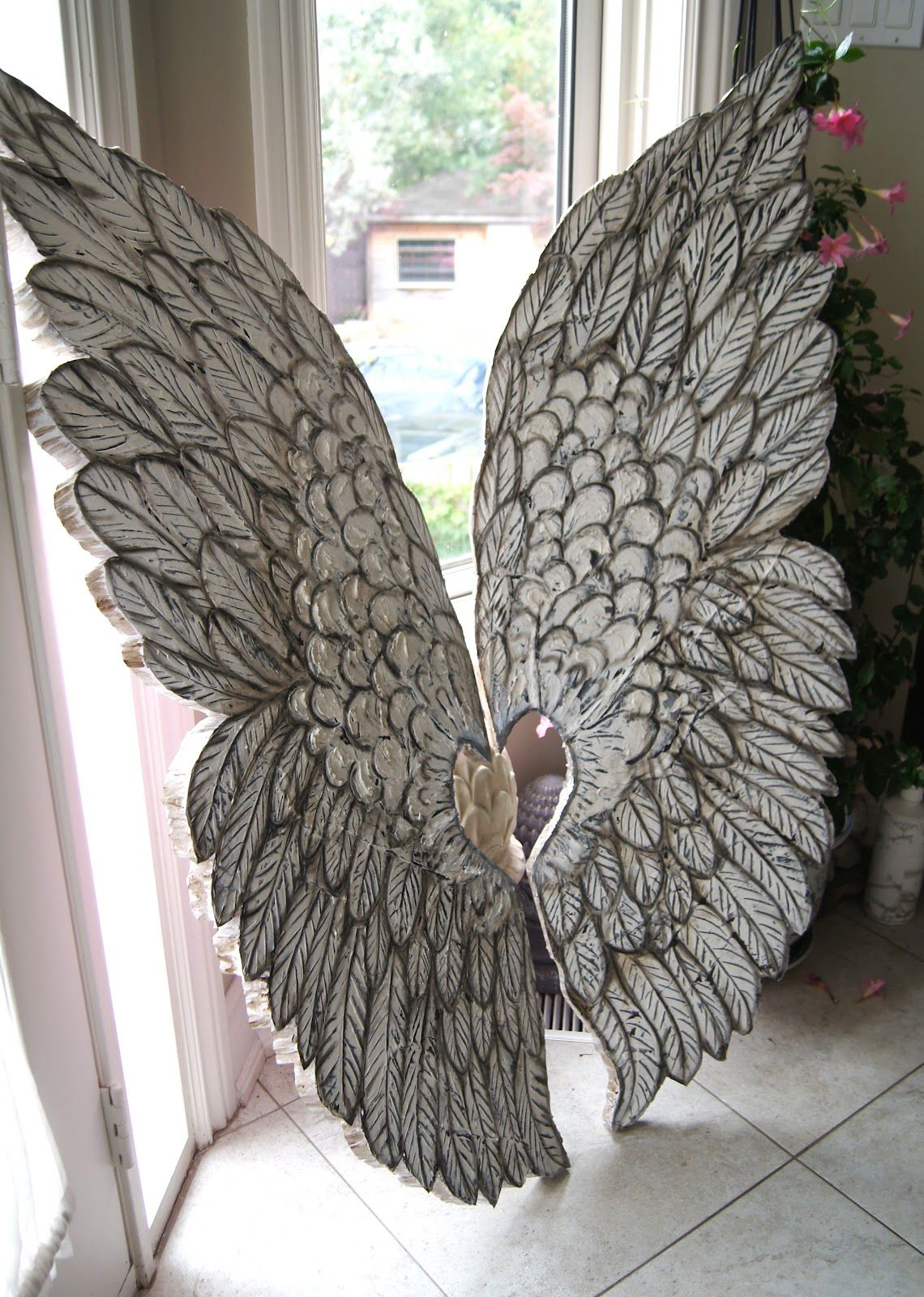 Wall decor angel wings