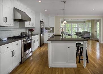 1940 S Colonial Revival Remodel Kitchen Traditional Kitchen Minneapolis By Trehus Ar Colonial House Remodel Farmhouse Kitchen Design Colonial Kitchen