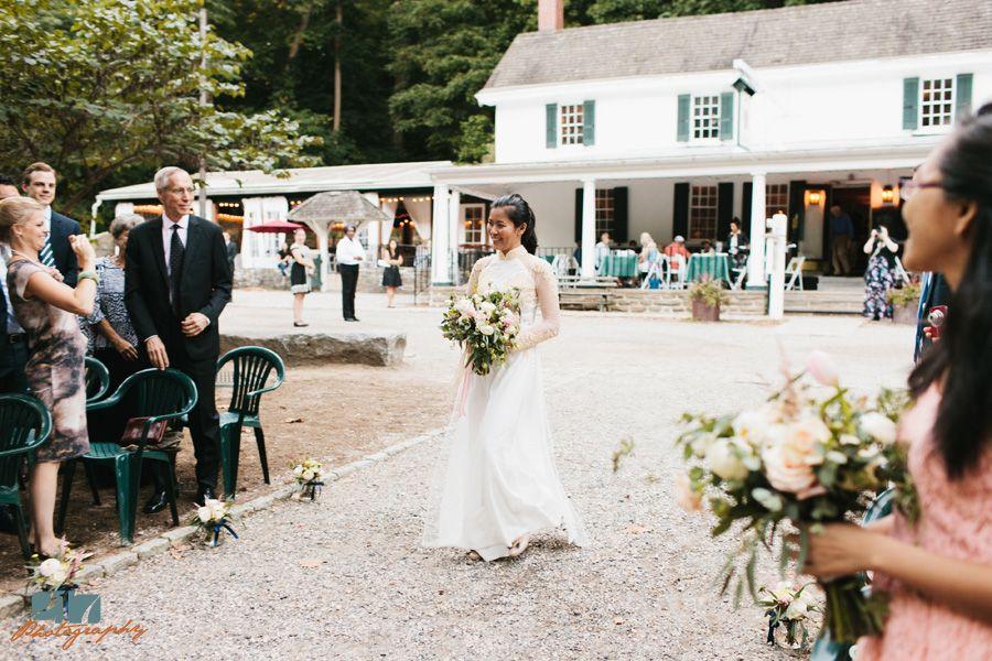 Nhung Matt S Valley Green Inn Wedding Photos By Philadelphia Wedding And Portrait Photographer Pete Malone Valley Green Wedding Photos Pennsylvania Wedding