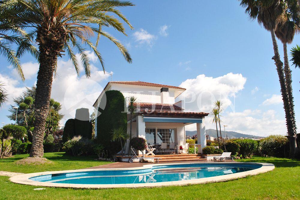 Exclusive, luxury estate for sale in El Masnou