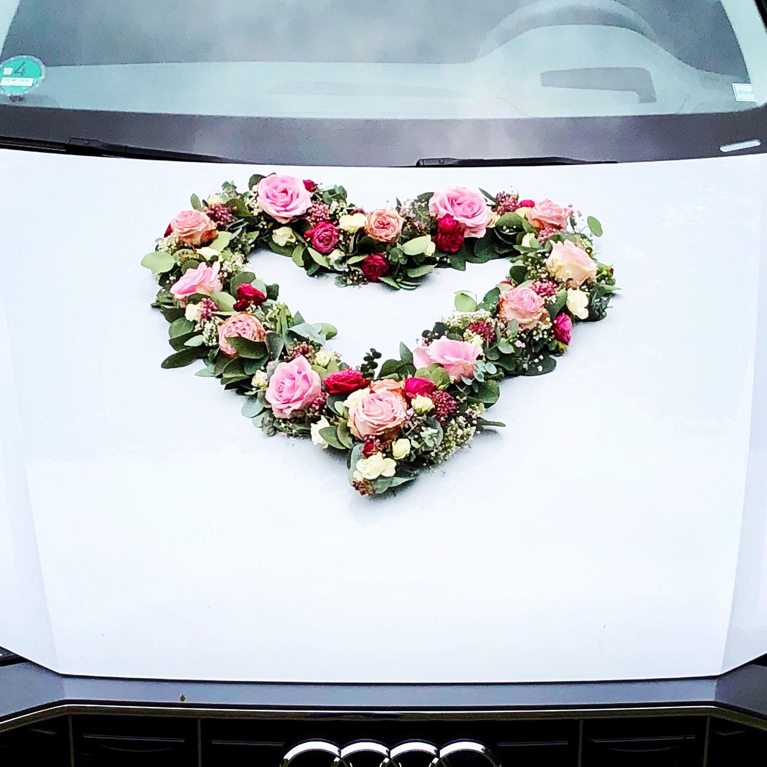 Hochzeit schmücken auto Das Hochzeitsauto