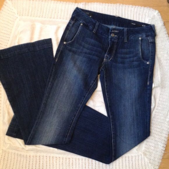 """William Rast jeans Unique side-pocket design. Sized 27"""" but wears more like 28+. Great condition. Inseam 34 1/2"""". Front rise 8"""", Back 13"""". William Rast Jeans Flare & Wide Leg"""