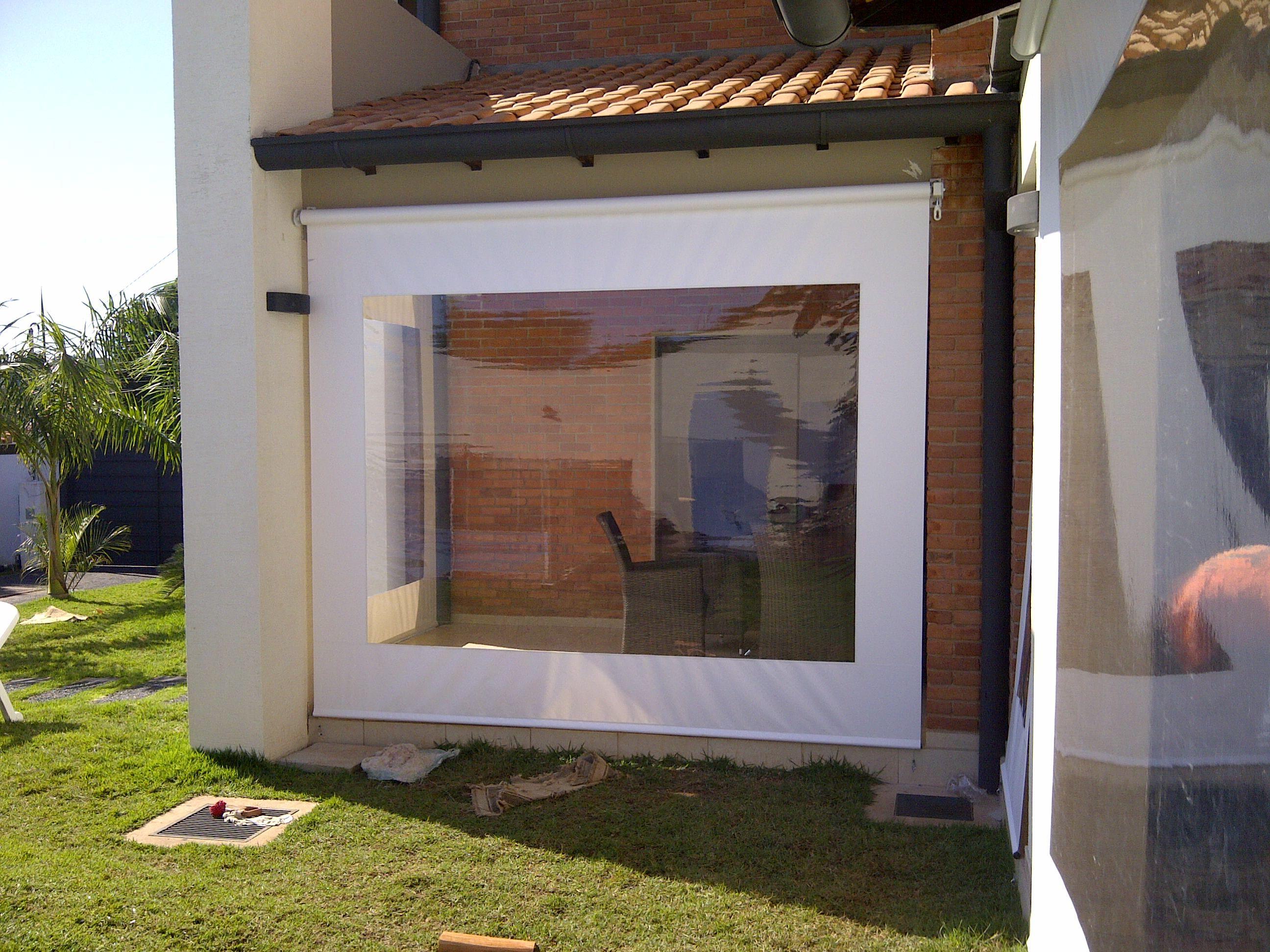 Vista exterior de cerramiento galer a con toldos - Toldos verticales para exterior ...