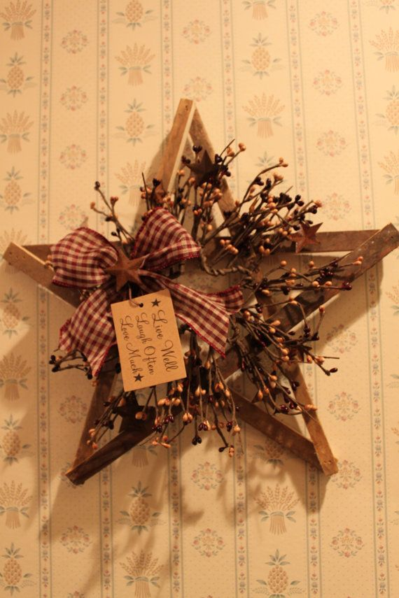 Small Tobacco Lath Star with Pip Berries by PotpourriandLighting