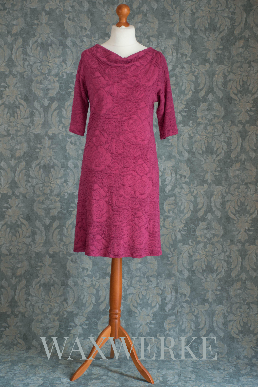 Rosenkleid In Wunderbarem Beere Ton Rosenkleid Kleid Mit Armel Kleider