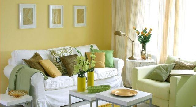 wohnzimmer streichen ideen weißes sofa gelb grüne akzente ...