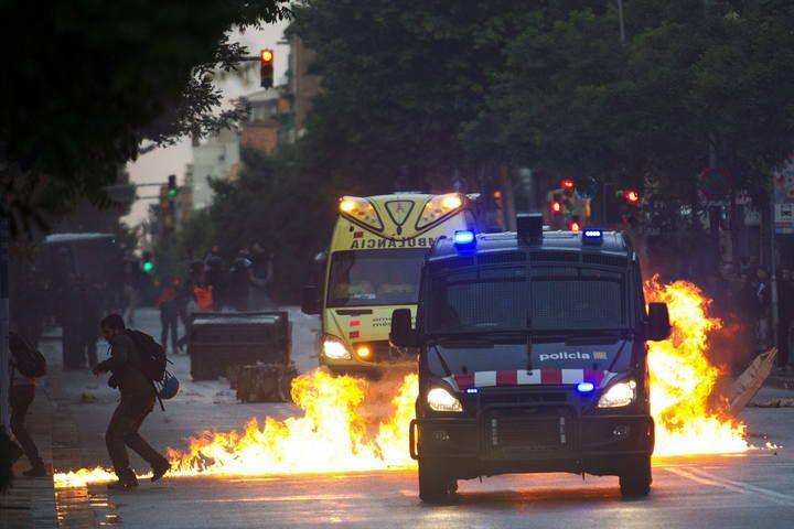 Violentos incidentes tras el desalojo de Can Vies, Cataluña.