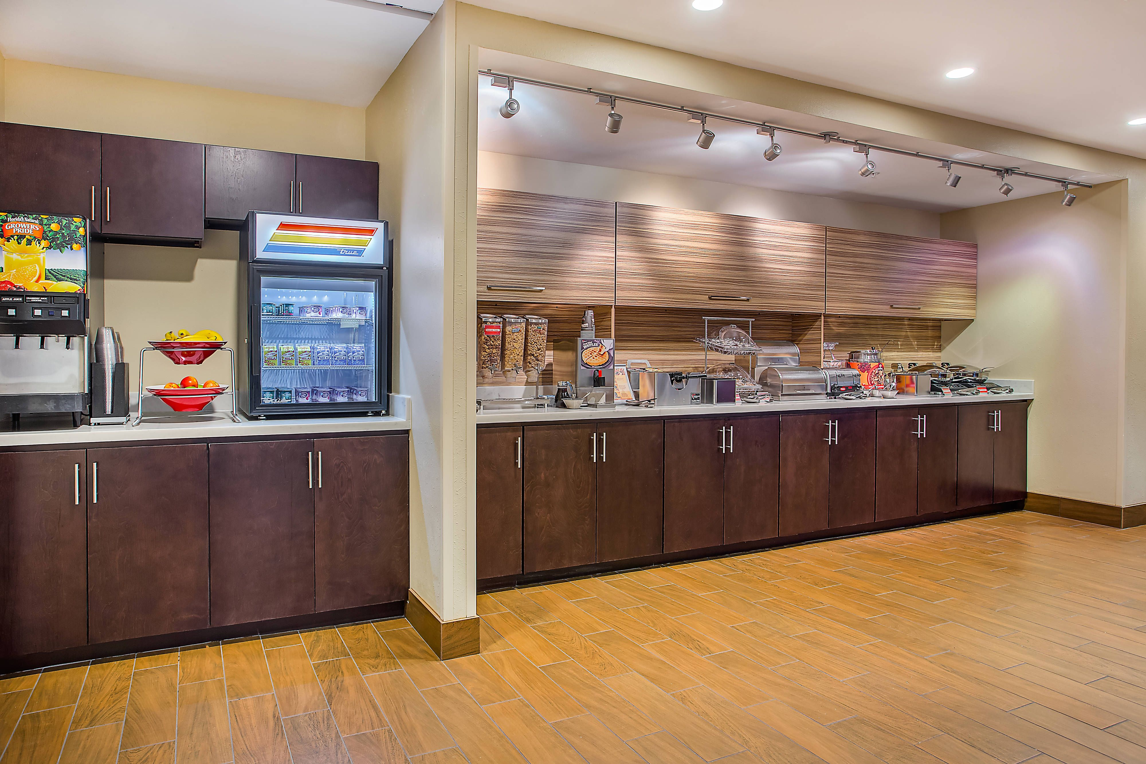 Towneplace Suites Cookeville Breakfast Buffet Beautiful Travel
