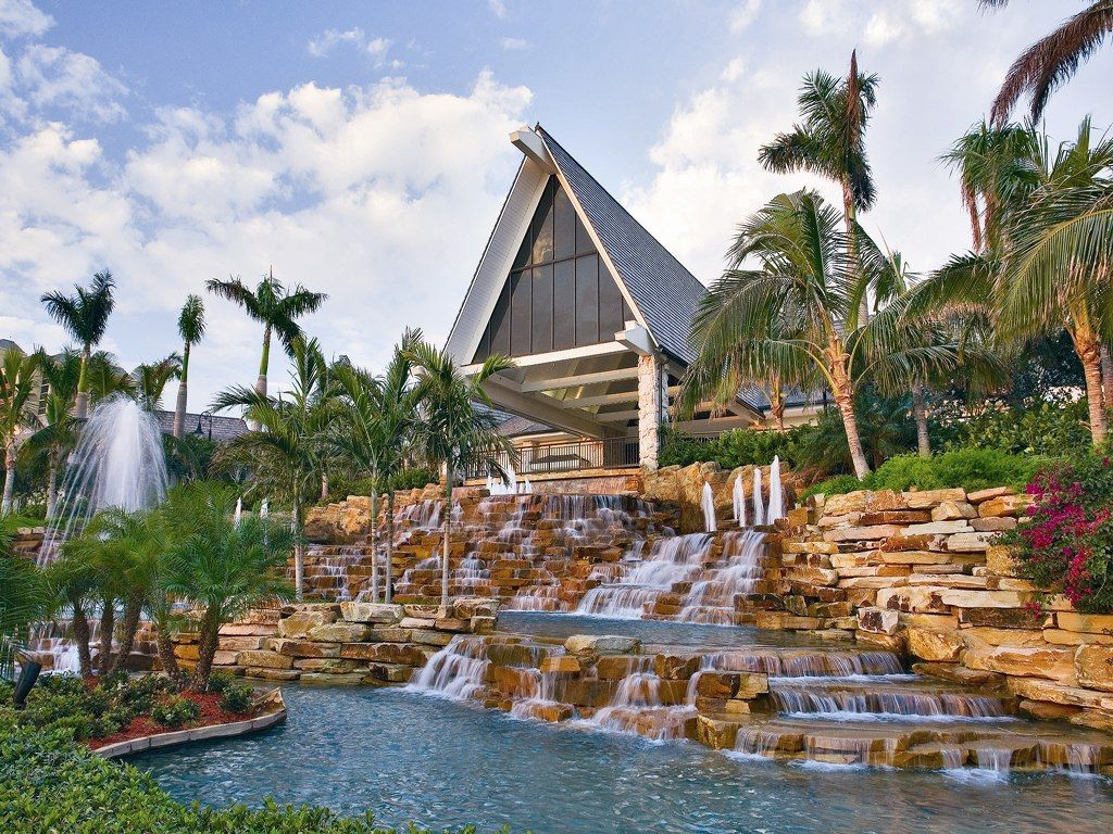 In Florida Guests At The Marco Island Marriott Beach Resort Golf Club Spa Who Pare Property S Voluntourism Program Get 15 Percent Off