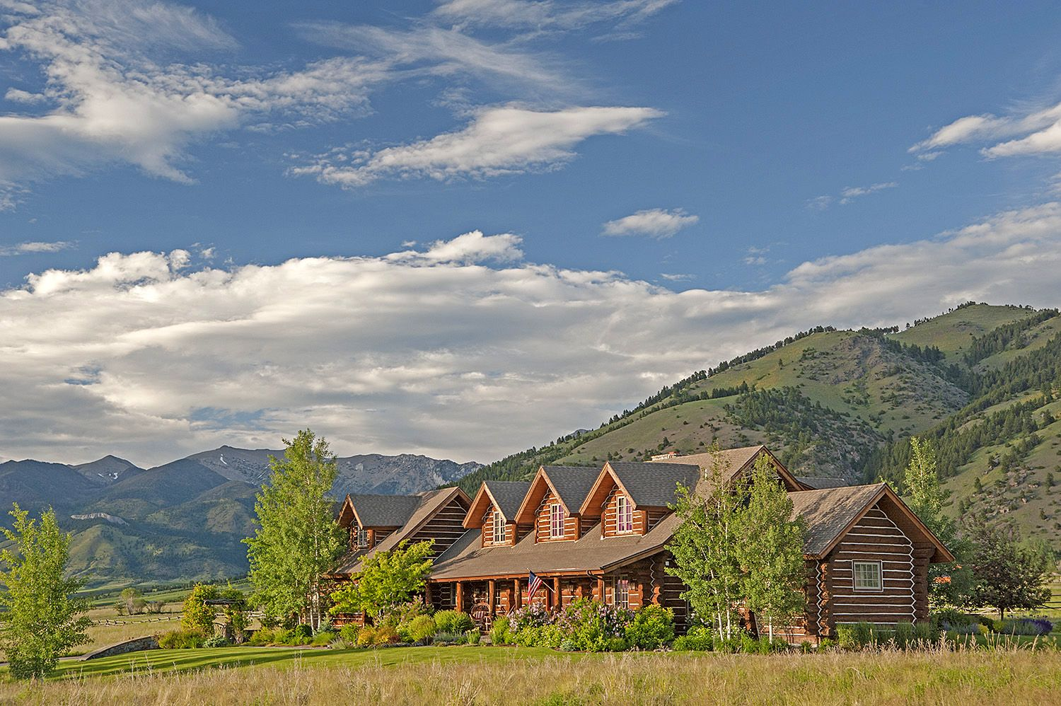 Western Chalet http://bozemanluxuryrealestate.com/listings/a-western-chalet/