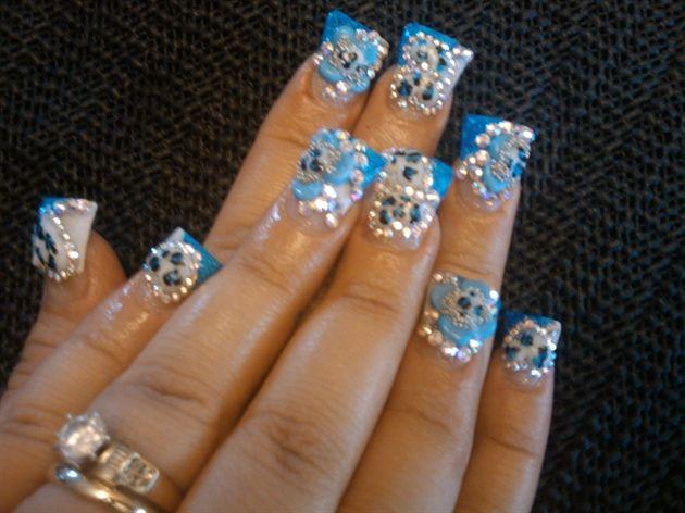 Blue and chunky nails. - Duck Feet Nails Flare Tip Nails Nail Art Design Ideas Nail