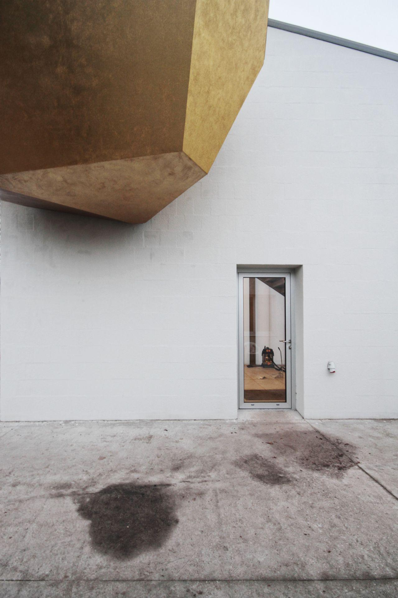 Pracownia architektoniczna specjalizująca się w rewitalizacji i przestrzeniach związanych ze sztuką.