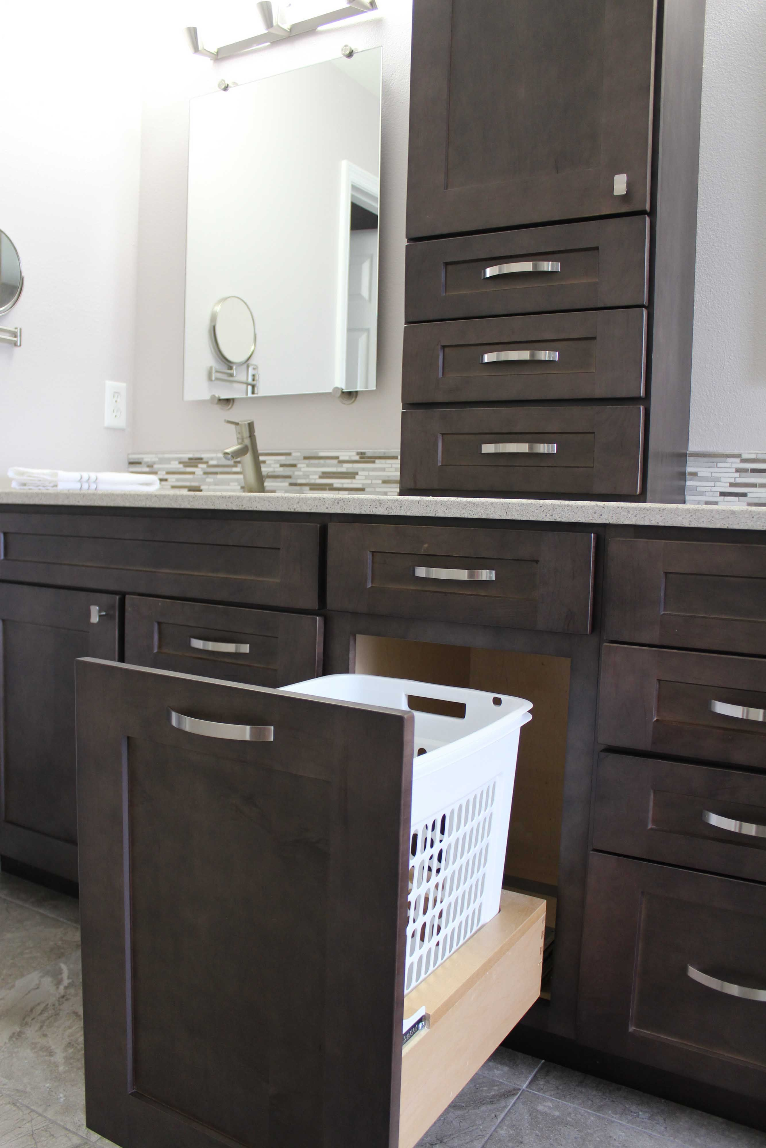 The Picture Features Shaker Ii Maple Charcoal Cabinets Shaker Cabinets Is Indeed A Shaker Style Kitchen Cabinets Shaker Style Kitchens Kitchen Cabinet Styles