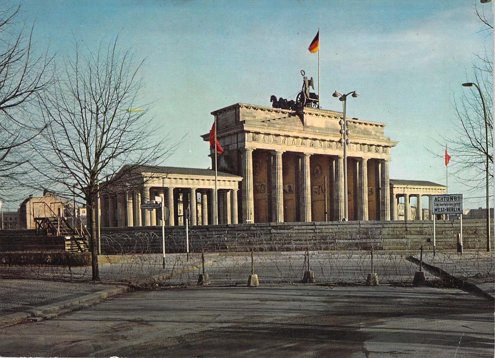 Berlin Postcard Brandenburg Gate East Berlin 1970 Berlin Geschichte Berliner Mauer Brandenburger Tor