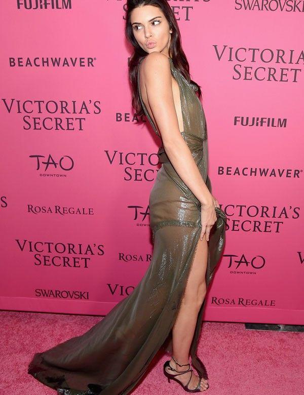El vestido transparente de Kendall Jenner causa polémica   Vestido ...