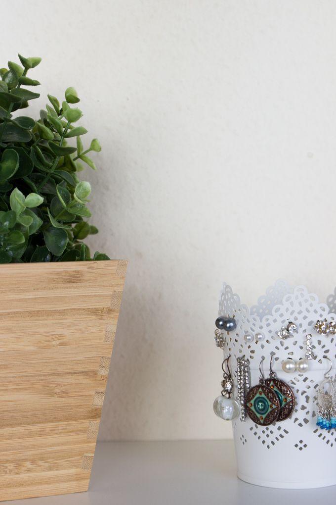 die besten 25 ohrringe aufbewahrung diy ideen auf pinterest schmuck aufbewahrung. Black Bedroom Furniture Sets. Home Design Ideas