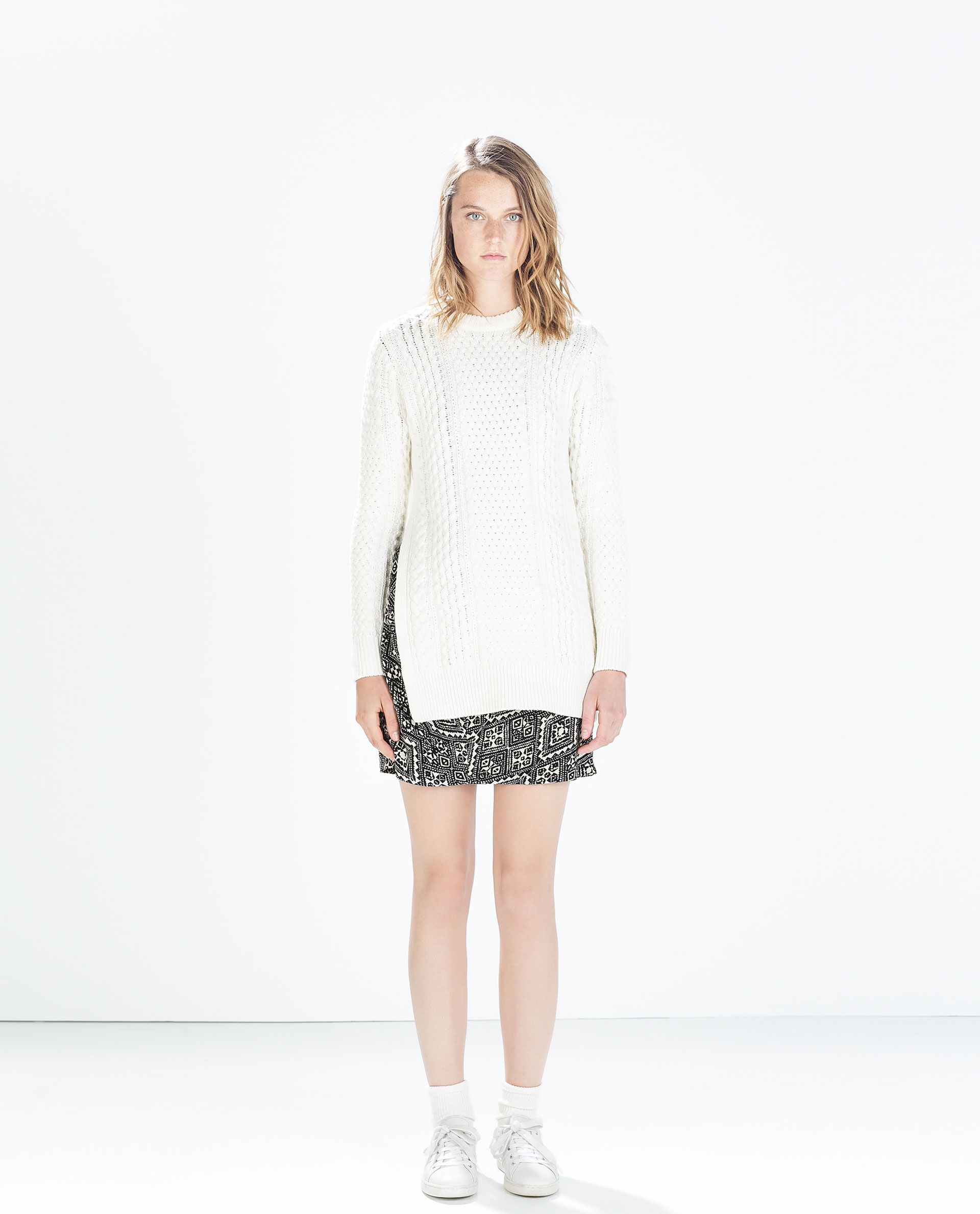 Image 1 de PULL LONG EN MAILLE TORSADÉE de Zara